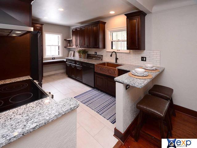 745 N 58th Street, Omaha, NE 68132 (MLS #21912539) :: Omaha's Elite Real Estate Group