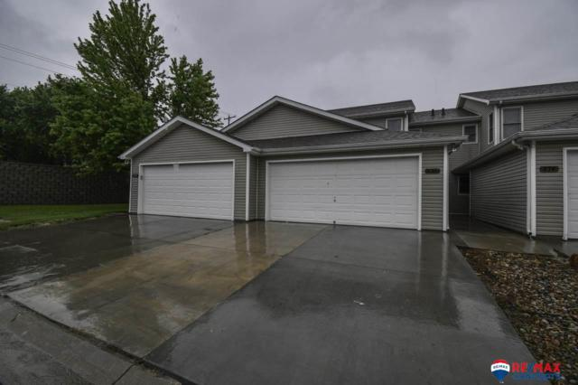 532 Lakeside Drive, Lincoln, NE 68528 (MLS #21912906) :: Dodge County Realty Group