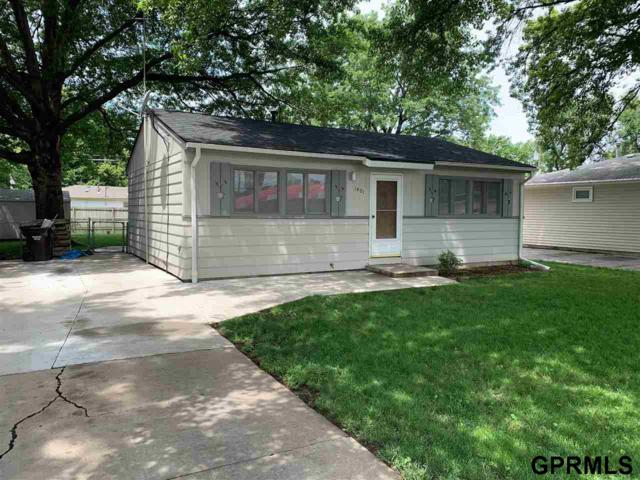 1401 N 55 Street, Lincoln, NE 68504 (MLS #21913266) :: Dodge County Realty Group