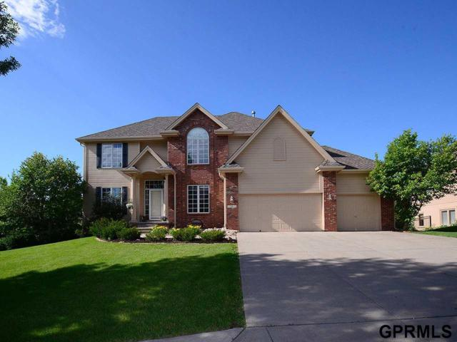 17811 Englewood Circle, Omaha, NE 68135 (MLS #21913497) :: The Briley Team