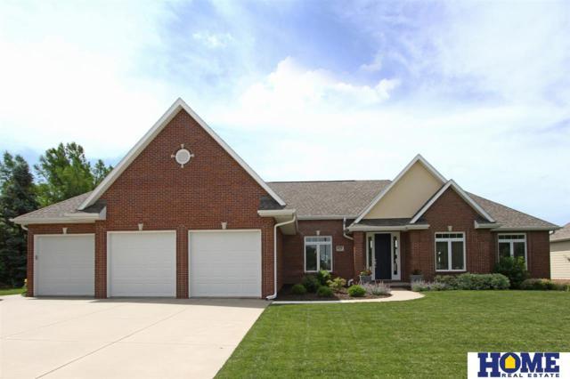 8737 Oakmont Drive, Lincoln, NE 68526 (MLS #21914659) :: Stuart & Associates Real Estate Group