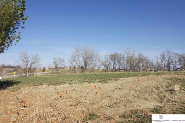 21512 E Circle, Omaha, NE 68022 (MLS #21914996) :: Omaha's Elite Real Estate Group