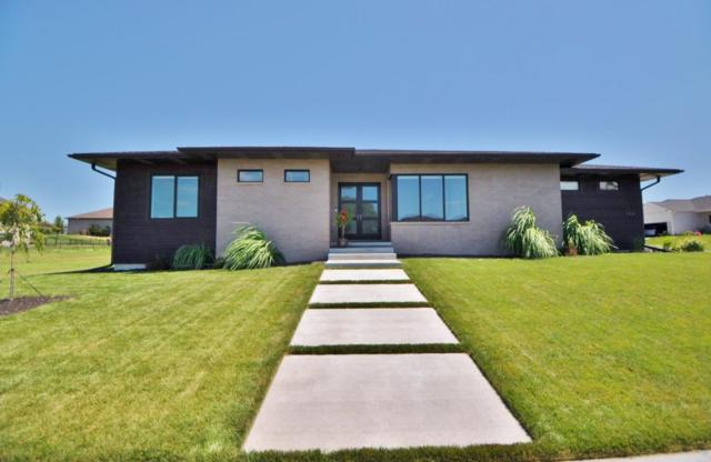 9404 Wishing Well Drive, Lincoln, NE 68516 (MLS #21915483) :: Dodge County Realty Group