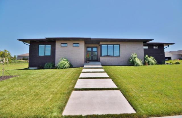 9404 Wishing Well Drive, Lincoln, NE 68516 (MLS #21915483) :: Omaha's Elite Real Estate Group
