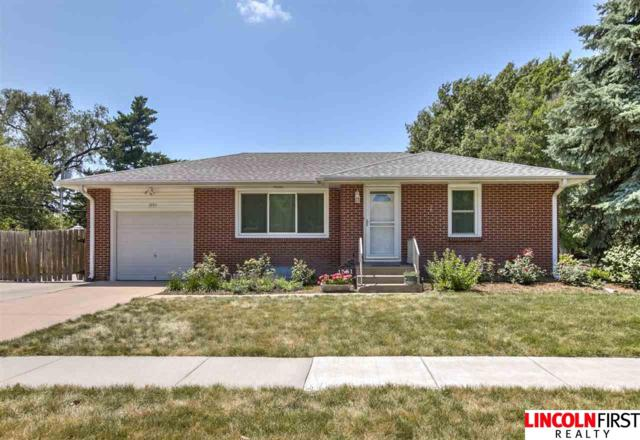 1551 S 37Th Street, Lincoln, NE 68506 (MLS #21915913) :: Complete Real Estate Group