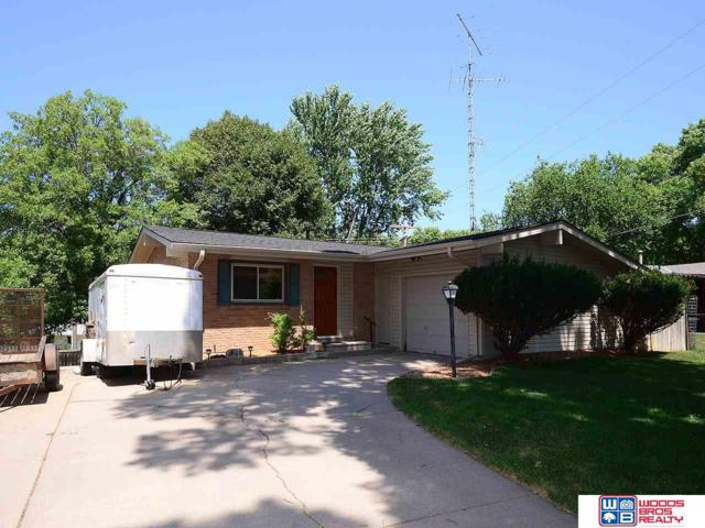 631 Glenhaven Drive, Lincoln, NE 68505 (MLS #21915925) :: Complete Real Estate Group