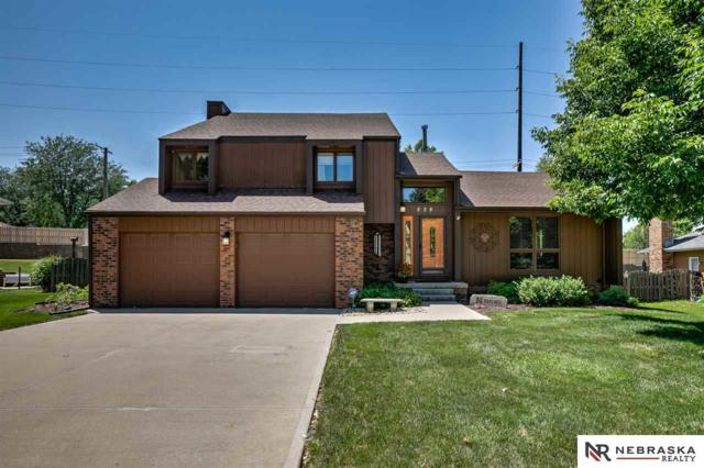 828 S 113th Avenue Circle, Omaha, NE 68154 (MLS #21915980) :: The Briley Team