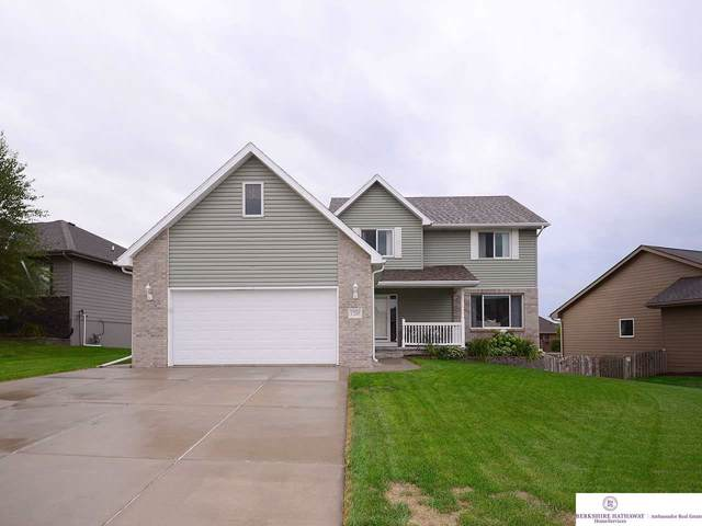 17205 Jessica Lane, Gretna, NE 68028 (MLS #21921185) :: Nebraska Home Sales