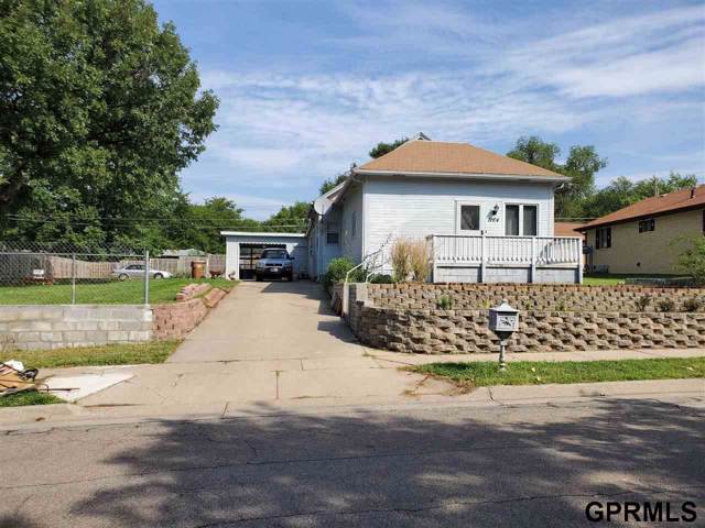 1164 Furnas Avenue, Lincoln, NE 68521 (MLS #21921202) :: Dodge County Realty Group