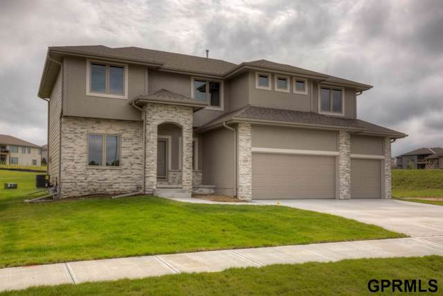 18515 Boyd Street, Elkhorn, NE 68022 (MLS #21921327) :: One80 Group/Berkshire Hathaway HomeServices Ambassador Real Estate