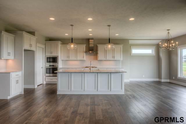 4602 N 192 Avenue Circle, Elkhorn, NE 68022 (MLS #21921329) :: Dodge County Realty Group