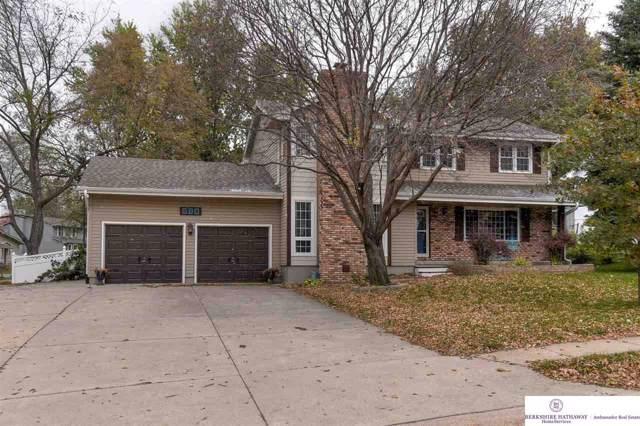 916 Crest Road, Papillion, NE 68046 (MLS #21921354) :: Lincoln Select Real Estate Group