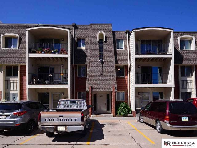 1210 S 120th Plaza #208, Omaha, NE 68144 (MLS #21921404) :: Stuart & Associates Real Estate Group