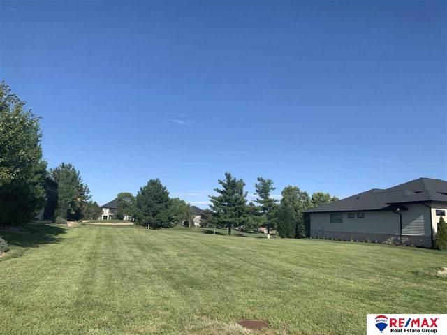9720 Thornwood Circle, Lincoln, NE 68152 (MLS #21921434) :: Omaha Real Estate Group
