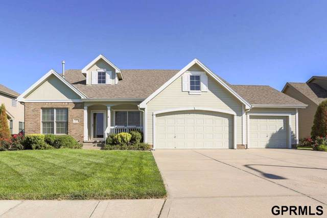 18370 Dewey Avenue, Elkhorn, NE 68022 (MLS #21921591) :: Complete Real Estate Group