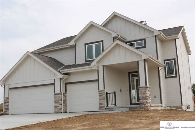 5011 Clearwater Drive, Papillion, NE 68133 (MLS #21921673) :: Cindy Andrew Group