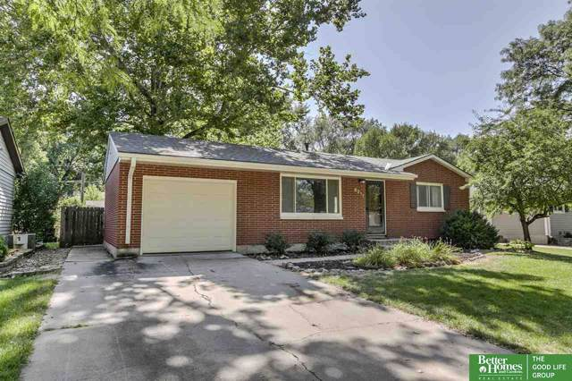 8217 S Cherrywood Drive, Lincoln, NE 68510 (MLS #21921729) :: Dodge County Realty Group