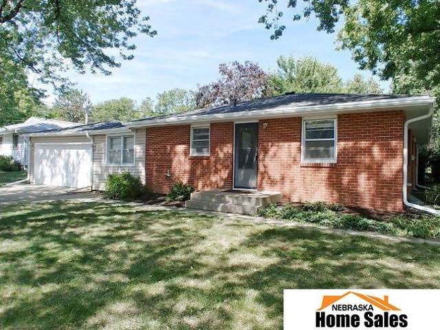 2155 S 59th Street, Lincoln, NE 68506 (MLS #21921775) :: Complete Real Estate Group