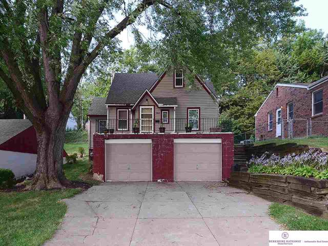 1860 S 55 Street, Omaha, NE 68106 (MLS #21921920) :: Nebraska Home Sales