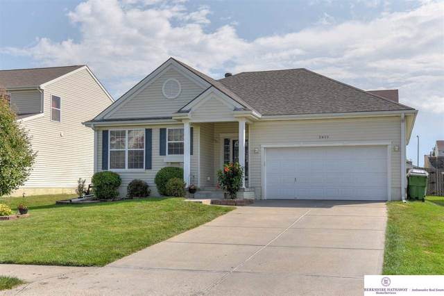 2411 Ridgeview Drive, Papillion, NE 68046 (MLS #21921931) :: One80 Group/Berkshire Hathaway HomeServices Ambassador Real Estate