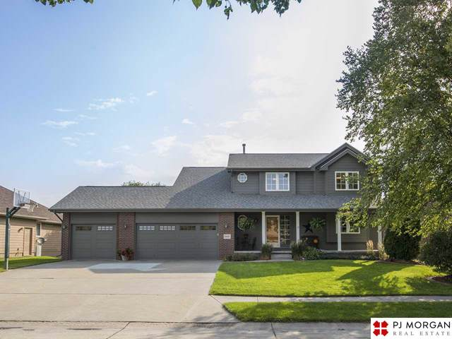 10611 S 210 Street, Gretna, NE 68028 (MLS #21921932) :: Nebraska Home Sales