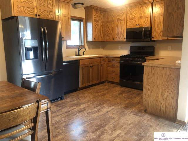 448 11 Street, Eagle, NE 68347 (MLS #21921967) :: Capital City Realty Group