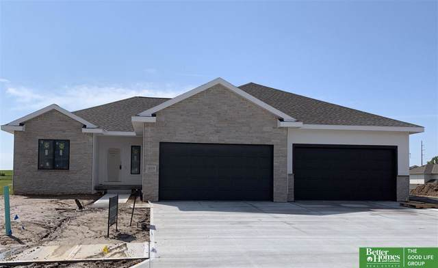 18319 Taylor Street, Elkhorn, NE 68022 (MLS #21922161) :: Omaha's Elite Real Estate Group