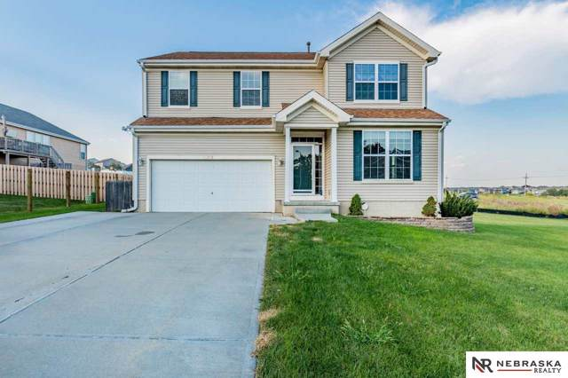 10958 Grant Circle, Papillion, NE 68046 (MLS #21922168) :: Complete Real Estate Group