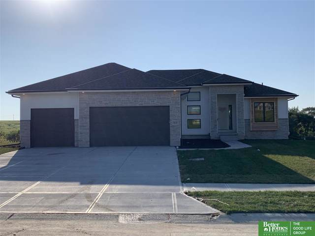 10018 S 188th Street, Omaha, NE 68136 (MLS #21922177) :: Nebraska Home Sales