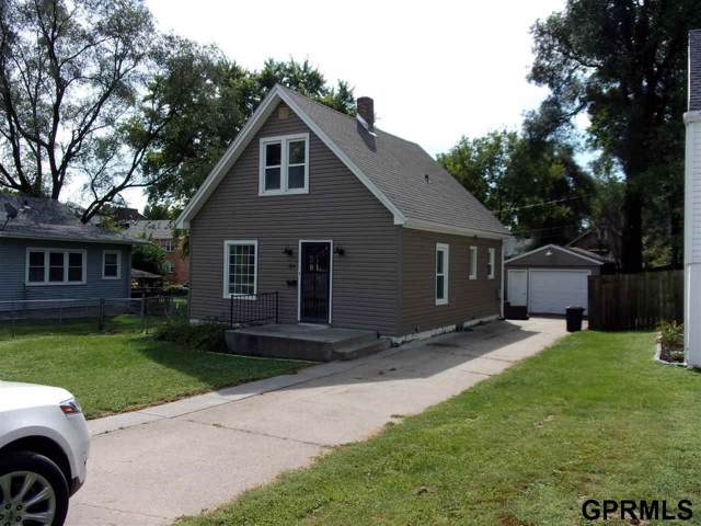 5841 Lake Street, Omaha, NE 68104 (MLS #21922179) :: Omaha's Elite Real Estate Group
