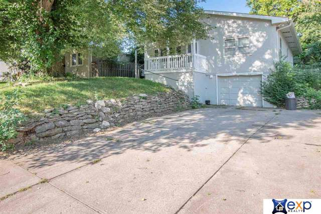2316 N 67th Avenue, Omaha, NE 68104 (MLS #21922193) :: Capital City Realty Group