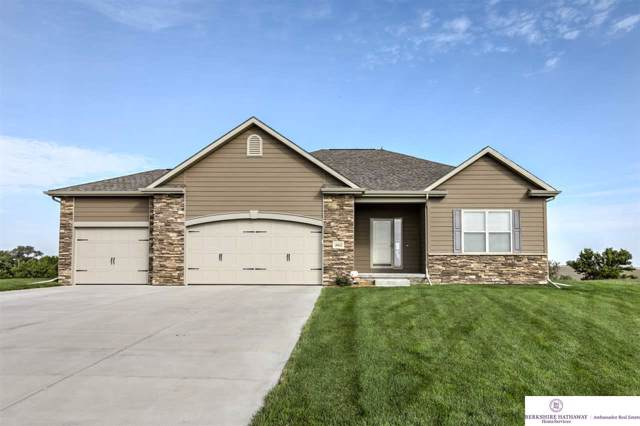 18432 Stargrass Road, Bennington, NE 68007 (MLS #21922200) :: Nebraska Home Sales