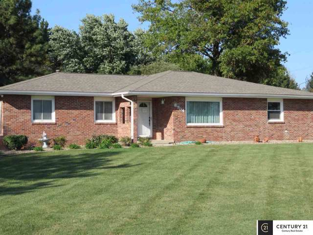 6904 Capehart Road, Papillion, NE 68133 (MLS #21922202) :: Five Doors Network