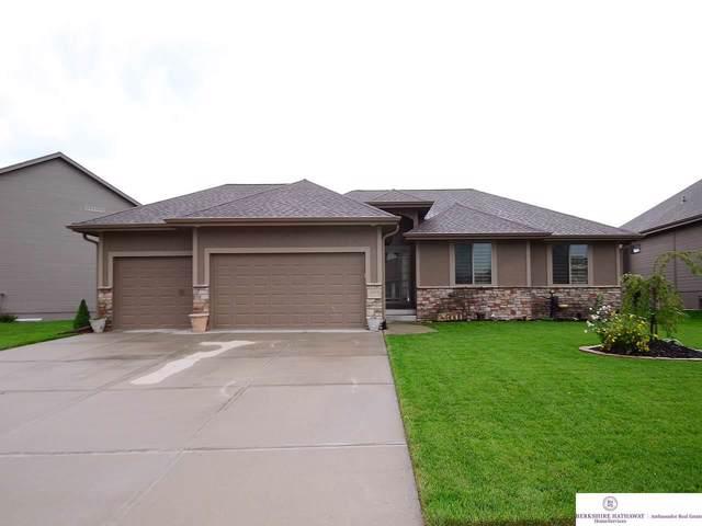 21317 Castlerock Lane, Gretna, NE 68028 (MLS #21922277) :: Nebraska Home Sales