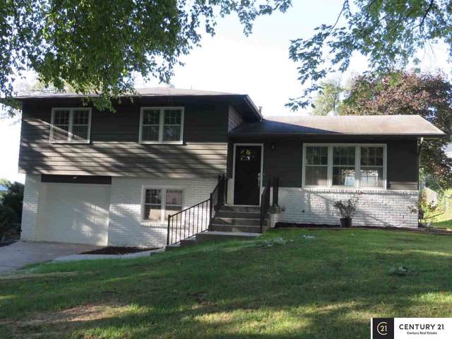 2101 Victoria Avenue, Bellevue, NE 68005 (MLS #21922384) :: Omaha's Elite Real Estate Group