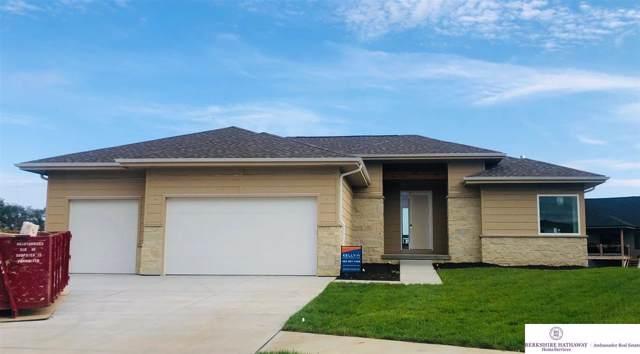 18357 Lake Circle, Elkhorn, NE 68022 (MLS #21922657) :: Omaha's Elite Real Estate Group