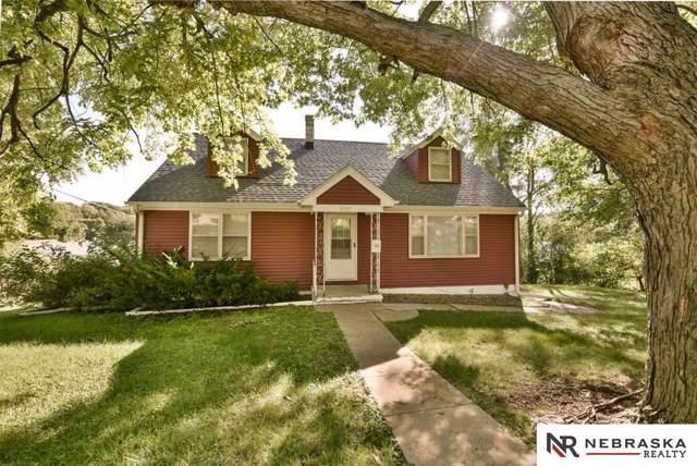 2045 N 67th Street, Omaha, NE 68104 (MLS #21922838) :: Omaha's Elite Real Estate Group