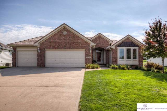 14131 Eagle Run Drive, Omaha, NE 68164 (MLS #21922923) :: Cindy Andrew Group