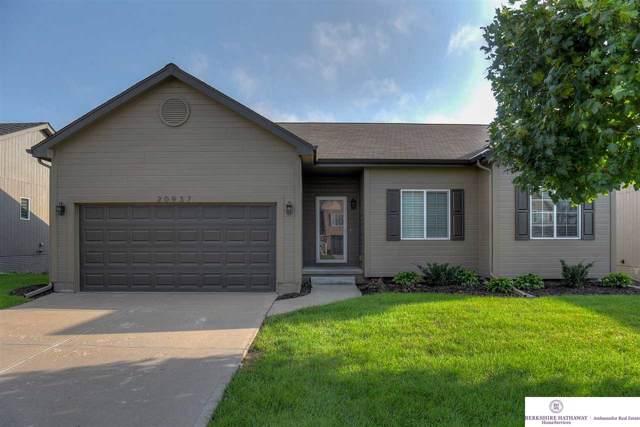 20937 Oak Street, Gretna, NE 68028 (MLS #21923034) :: Omaha Real Estate Group