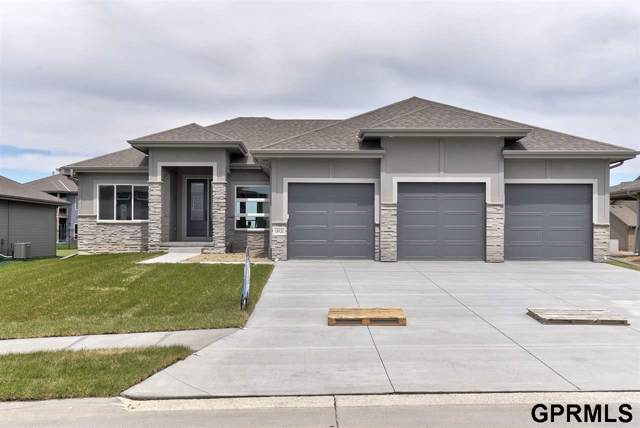 4408 S 219th Street, Elkhorn, NE 68022 (MLS #21923240) :: Lincoln Select Real Estate Group
