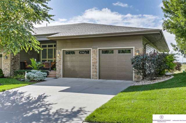 15813 Hartman Avenue, Omaha, NE 68116 (MLS #21923566) :: Omaha Real Estate Group