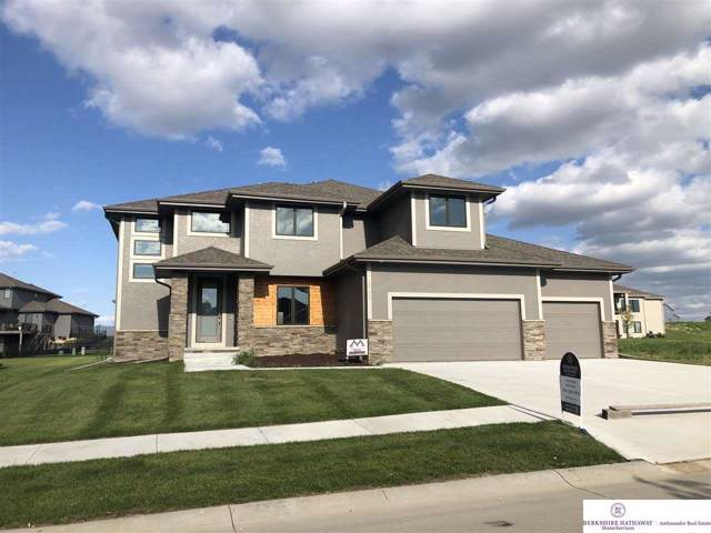 3903 S 208 Street, Elkhorn, NE 68022 (MLS #21923788) :: The Briley Team