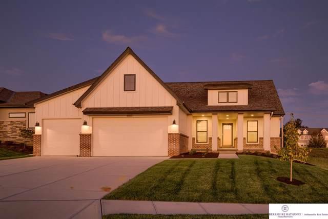 6013 N 168 Avenue, Omaha, NE 68116 (MLS #21923860) :: Nebraska Home Sales