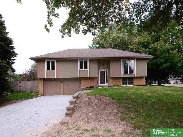 1304 S 165th Avenue, Omaha, NE 68130 (MLS #21924095) :: Omaha's Elite Real Estate Group