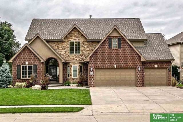 18313 Dupont Circle, Omaha, NE 68130 (MLS #21924116) :: Capital City Realty Group