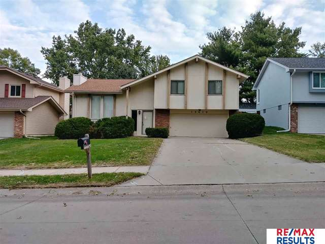 13610 Hascall Street, Omaha, NE 68144 (MLS #21924143) :: One80 Group/Berkshire Hathaway HomeServices Ambassador Real Estate