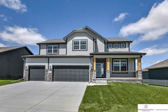 20514 E Street, Elkhorn, NE 68022 (MLS #21924146) :: The Briley Team
