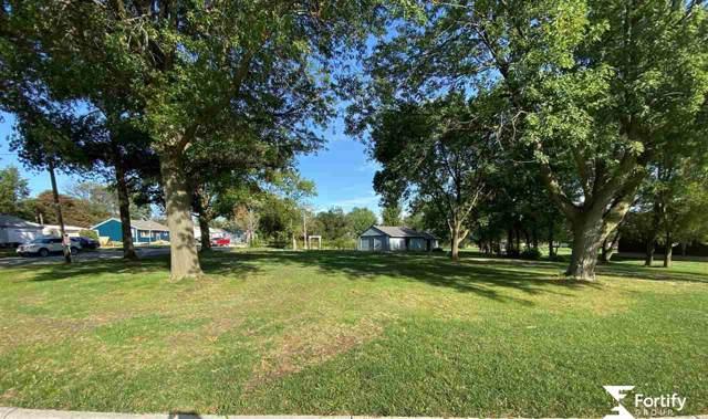 909 B Street, Geneva, NE 68361 (MLS #21924212) :: Capital City Realty Group