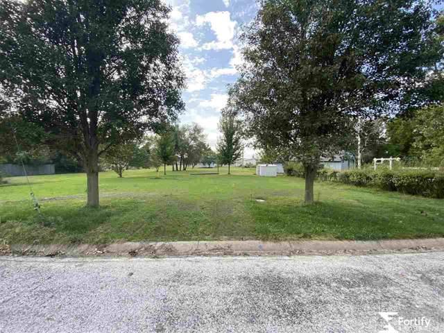 917 B Street, Geneva, NE 68361 (MLS #21924216) :: Capital City Realty Group