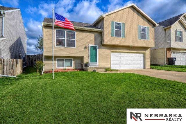 19374 V Street, Omaha, NE 68135 (MLS #21924303) :: Omaha Real Estate Group